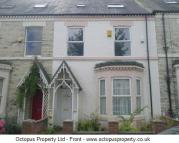 4 bed Terraced property to rent in Holly Avenue...