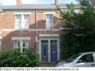 3 bed Flat to rent in Gainsborough Grove...