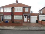 3 bed semi detached house to rent in Friarside Road...