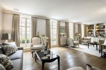 3 bedroom Mews for sale in Eaton Mews North, London...