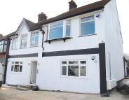 2 bedroom Flat for sale in Greenford Road...