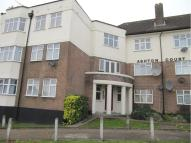 2 bedroom Flat for sale in Greenford Road, Harrow...