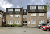 Ground Flat for sale in Harrow Road, Wembley...