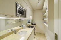 1 bedroom Ground Maisonette in Flat  , Pavilion Road...