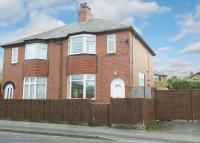 3 bed semi detached property to rent in College Street...