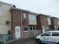 Flat to rent in Willowpark Court...