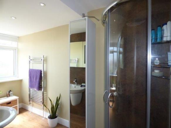 First floor shower room/wc