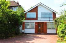 4 bedroom Detached home in Glendale Avenue, Edgware...
