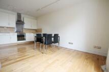 Flat to rent in Kennington Oval, London...
