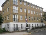 2 bedroom Flat to rent in Queensbridge Road...