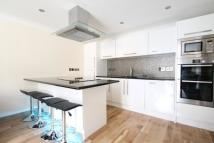 3 bedroom Flat in Spert Street, Limehouse...
