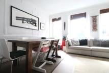 Flat to rent in Heath Street, Hampstead...