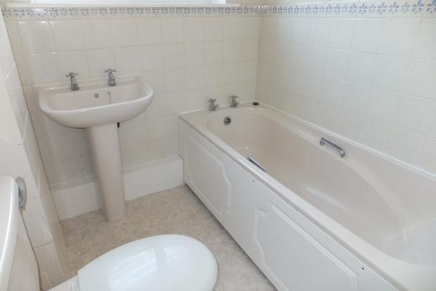 AlbertSt-bathroom