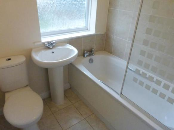 cobblers- bathroom b