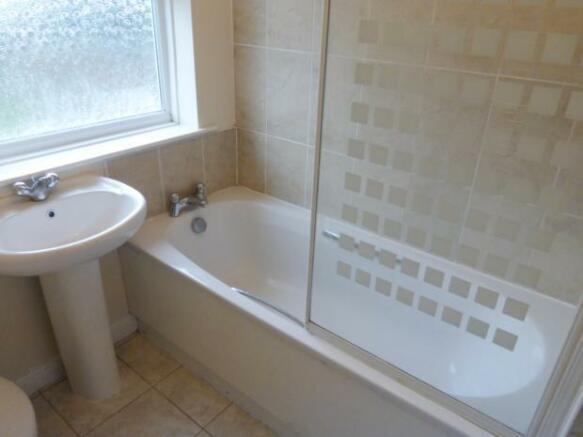 cobblers- bathroom a