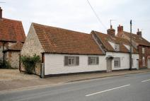 Cottage to rent in Thornham
