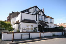 4 bed semi detached home to rent in Claremont Road, Seaford...