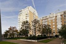 2 bedroom Apartment to rent in Canary Riverside E14