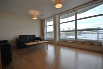 2 bedroom Flat to rent in Manchester Road, London