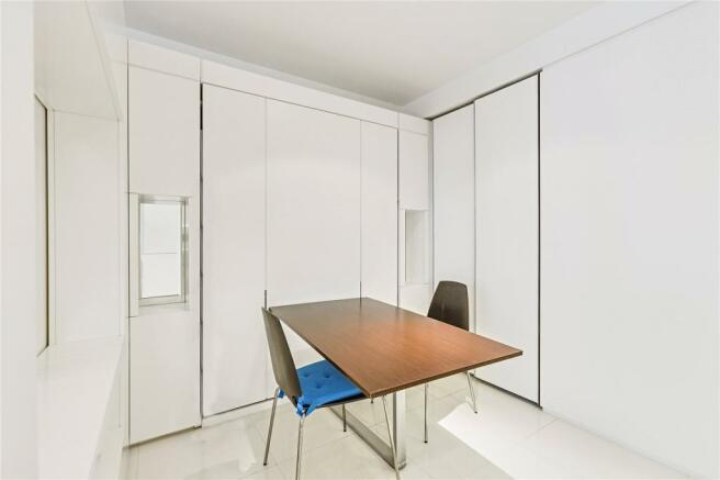 Dining Room/ Bedroo,