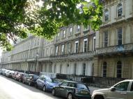 2 bedroom Flat in Victoria Square, Clifton...