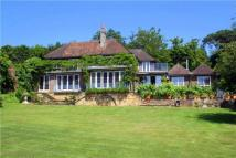 6 bed Detached property in Saxon Hill, Battle