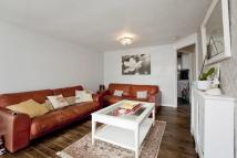 2 bed Ground Flat in Bullsmoor Way...
