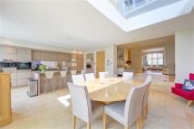7 bed semi detached property for sale in Lyford Road...