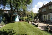 5 bed Detached house in Nightingale Lane...