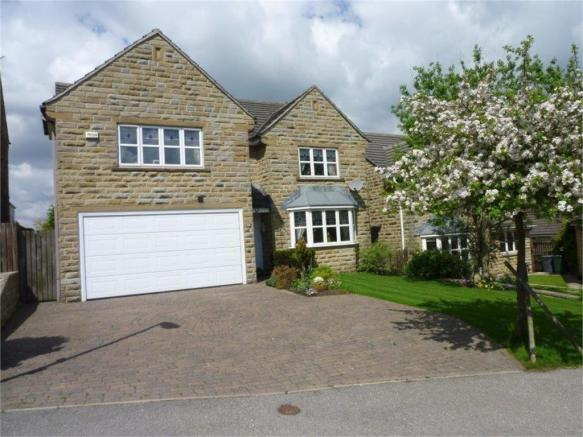 4 Bedroom Detached House For Sale In Hawthorne Way