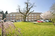 2 bedroom Flat to rent in Virginia Water, Surrey