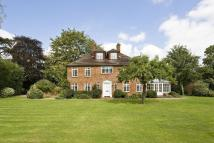 6 bedroom house in Englefield Green, Surrey