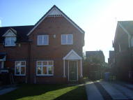3 bed Town House to rent in Helmsley Close, Bewsey...