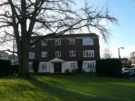 1 bed Apartment in Hillcrest, Weybridge...