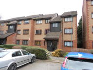 2 bed Flat to rent in Cricketers Close, Erith...