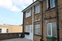 3 bed Maisonette in Cross Street, Erith, DA8