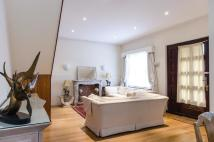 property to rent in Coleherne Mews Earls Court SW10