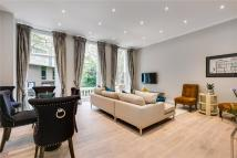 Flat to rent in Wickham Court...