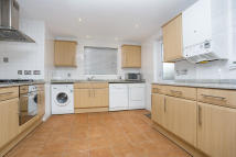 property to rent in Egerton Gardens, Hendon NW4