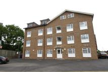 Bunns Lane Flat to rent