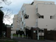 Flat to rent in Hendon Hall Ct...