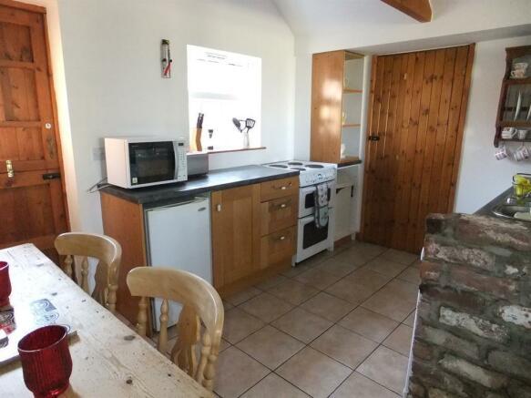Open Plan Dining Kitchen Area