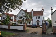 4 bedroom Detached property in EAST MOLESEY
