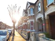 Flat to rent in CROFTON ROAD,  Plaistow...
