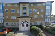 Flat to rent in Adeliza Close, Barking...