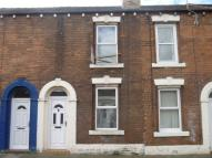 East Nelson Street Terraced property to rent