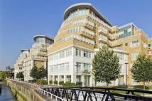 Flat in Oyster Wharf, Battersea