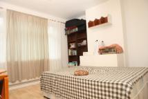Flat to rent in Turner Street...