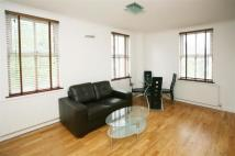 Apartment in Bromehead Street...