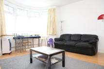 Flat to rent in Lynford Gardens...